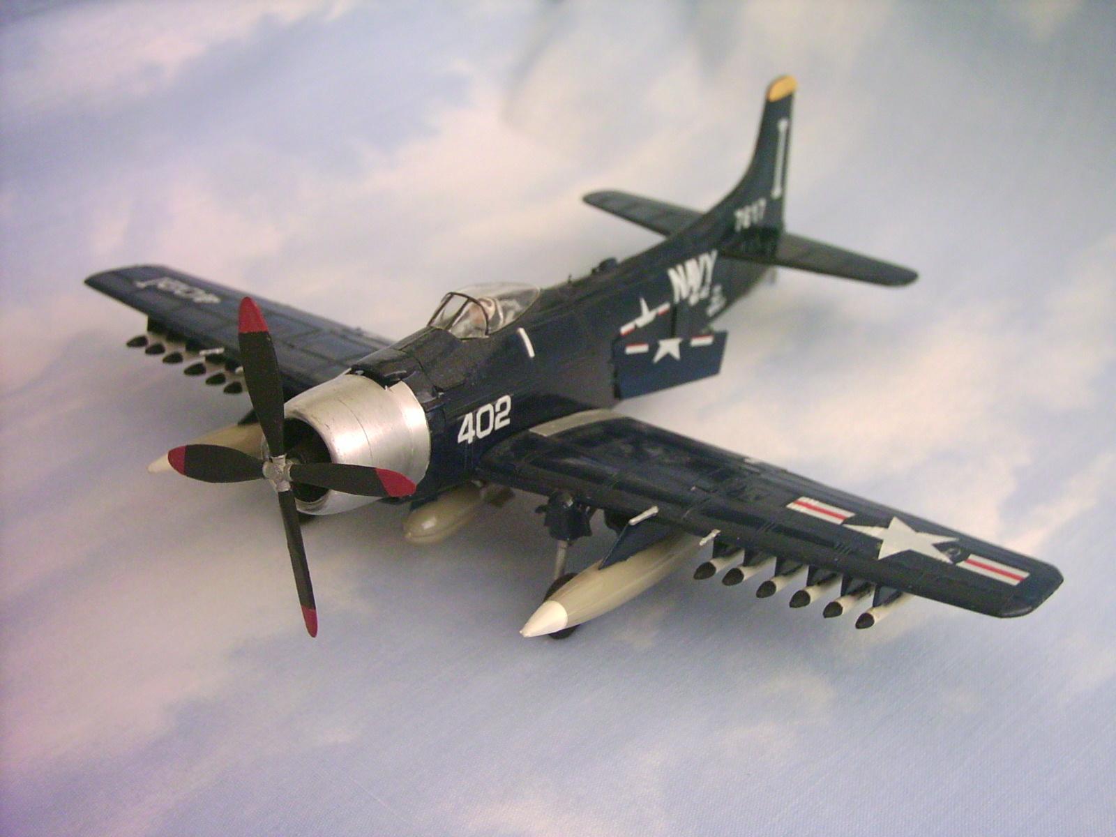 Skyraider Revell 4