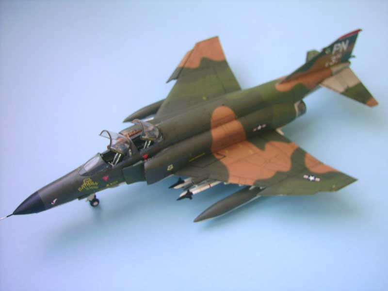 Maqueta F-4E Phantom II Esci 1