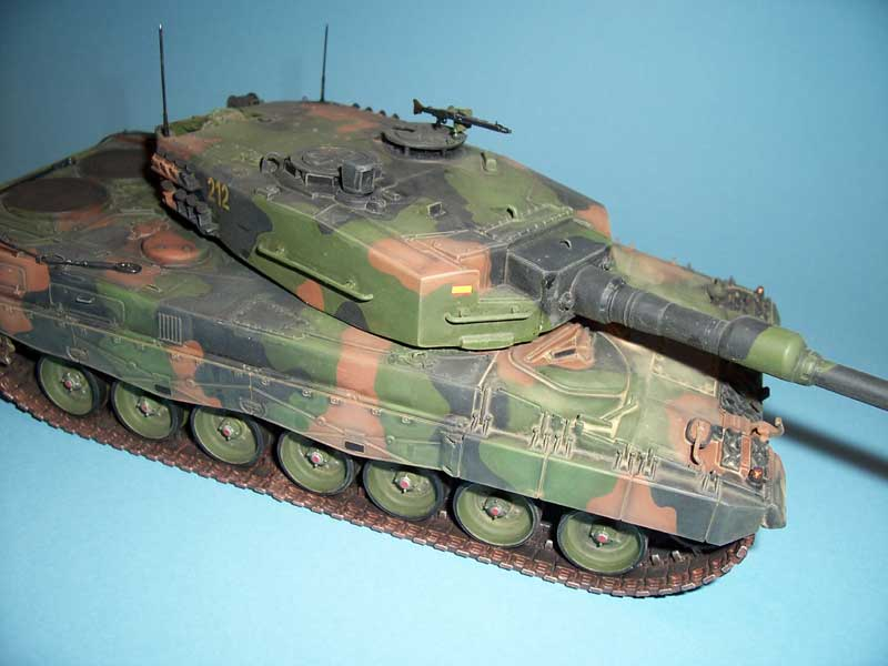 italeri leopard 2 03