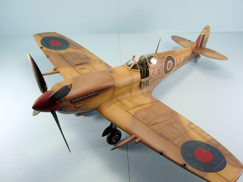 Maqueta Spitfire Hasegawa 4