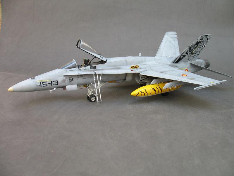 Maqueta F-18 Hasegawa 2