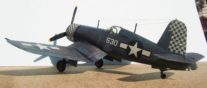 Vista lateral de la maqueta del F-4U Corsair de Hasegawa