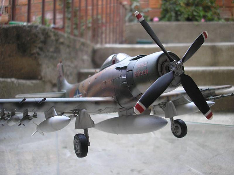 Maqueta A-1H Skyraider de Revell 02