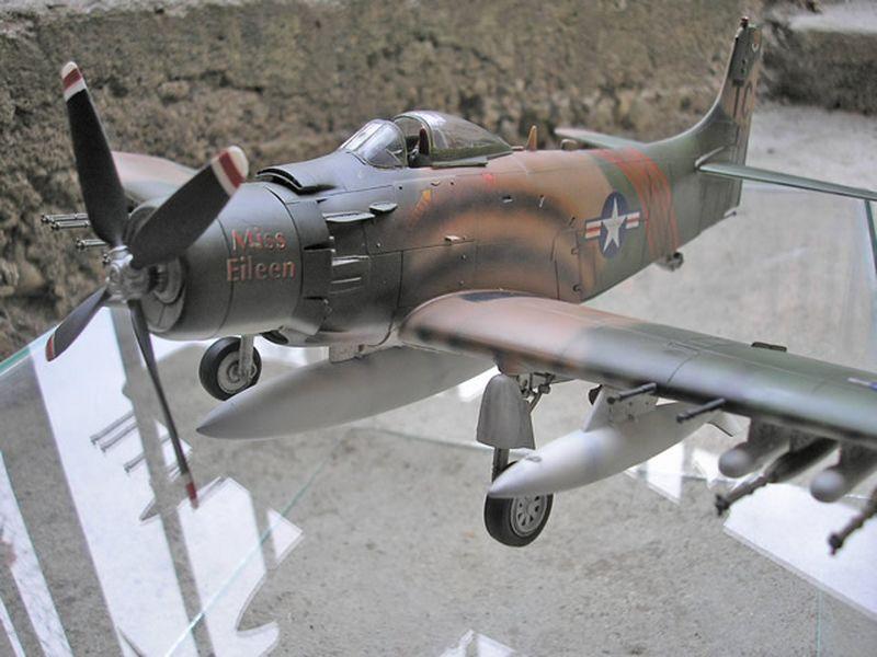 Maqueta A-1H Skyraider de Revell 04