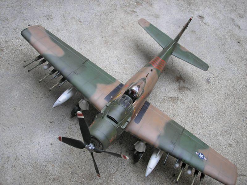 Maqueta A-1H Skyraider de Revell 05
