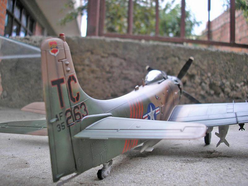 Maqueta A-1H Skyraider de Revell 07