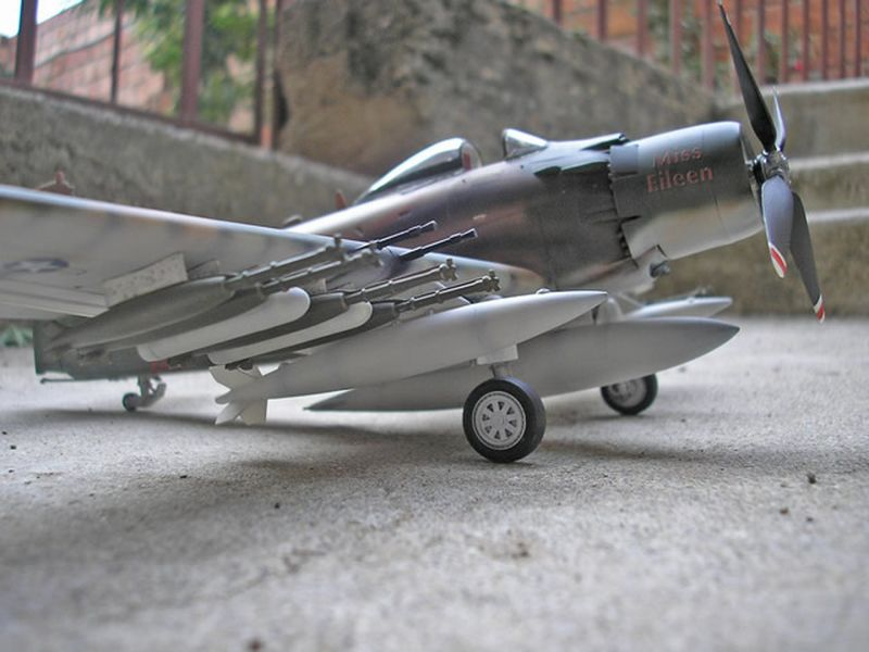 Maqueta A-1H Skyraider de Revell 10