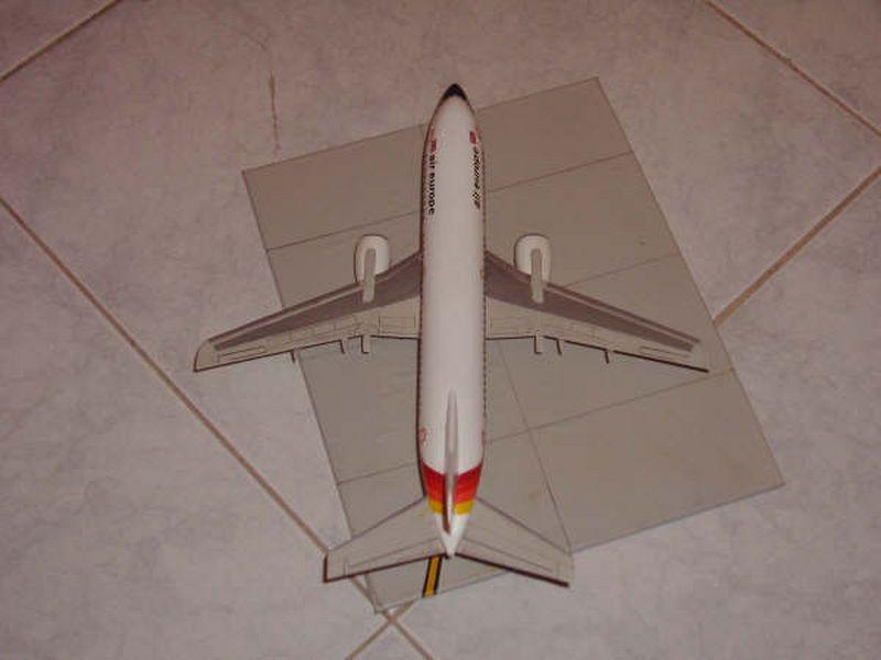 Maqueta Boeing 737 Air Europe 03