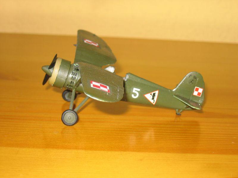 Maqueta avión P11 01