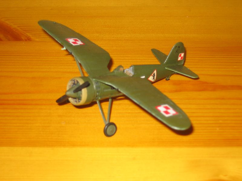 Maqueta avión P11 02