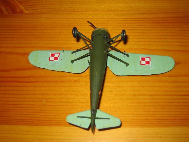 Maqueta avión P11 05
