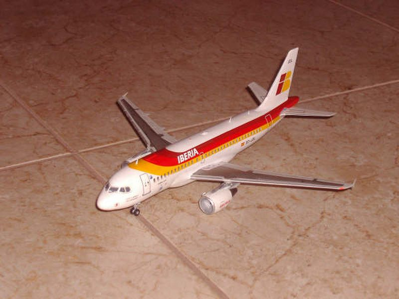 Maqueta Airbus A-319 04