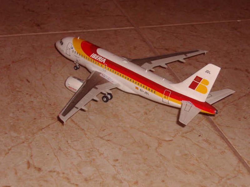 Maqueta Airbus A-319 05