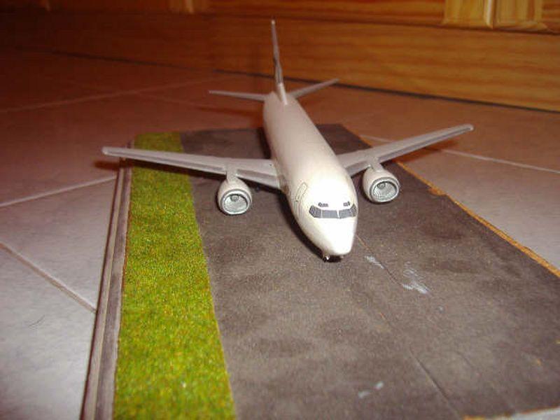 Maqueta Boeing 737-300 08