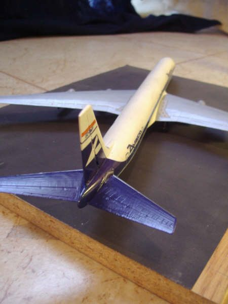 Maqueta Douglas DC-8 05