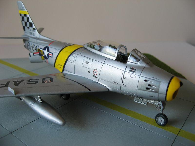 Maqueta F-86 Sabre 11